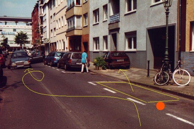 An dem orangen Punkt habe ich in etwa gestanden, davor in dem gelben Rechteck der Kadett.